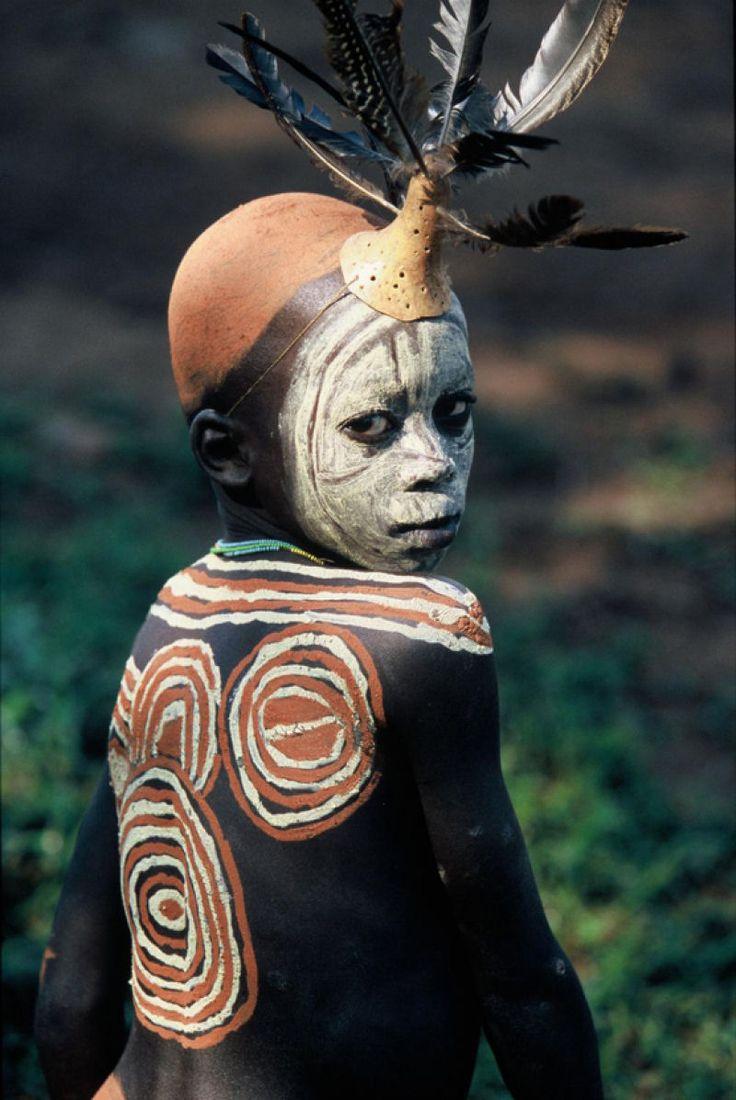 A beleza das Tribos Surma e Mursi, uma cultura em perigo, no sul da Etiópia.