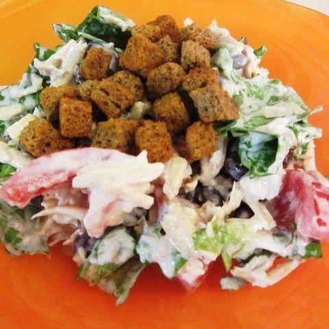 Весенний салат с куриной грудкой