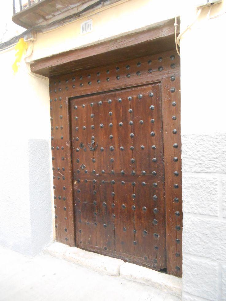 Típica puerta castellana