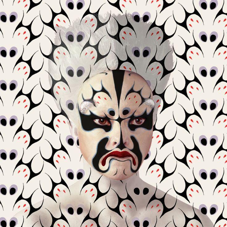 Masques Pékin Opéra, Facing Designs et réalité augmentée, Color-print 47,2 x 47,2, 2014.