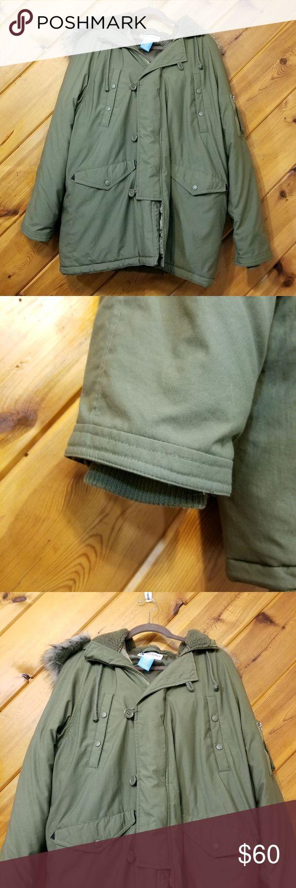 Olive Green Puffer Coat Fur Hood Mens Coat medium Phys.Sci