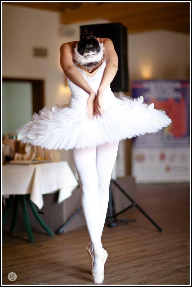 Karina Smirnova wraz z Krakowska Królewska Szkoła Baletu i Tańca dała pokaz baletu  Copyright 2014 Tomasz O.