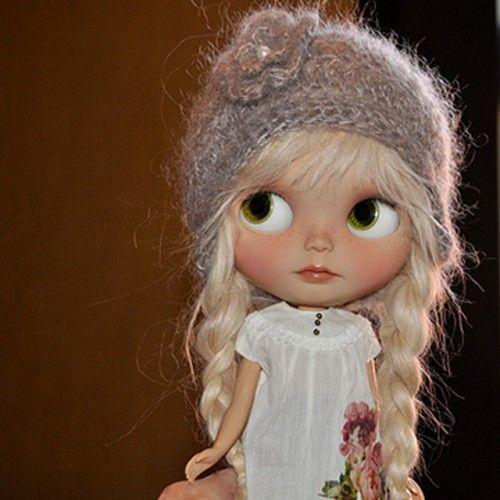 Catherine-blythe-doll-light-blonde-alpaca-hair-002-500x500.jpg 500×500 pixels