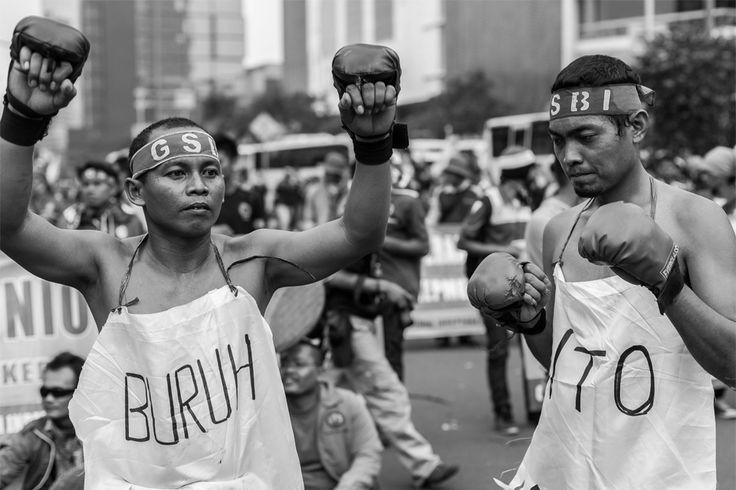 Buruh Versus WTO  | DiTrotoar | Street Photography
