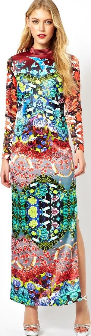 Hot Prints for Spring, Summer & Vacations - article -  http://www.boomerinas.com/2014/04/23/hot-prints-for-spring-summer-vacations-7-pattern-trends/