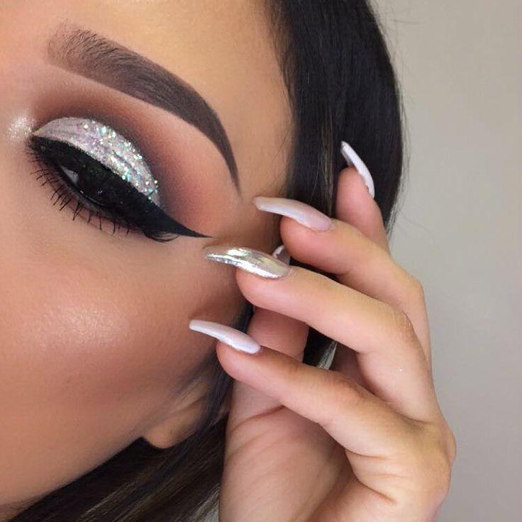 #EyeMakeup #silver  #glitter #eyeshadow pinned by  @stylexpert Follow me I always follow back ❣