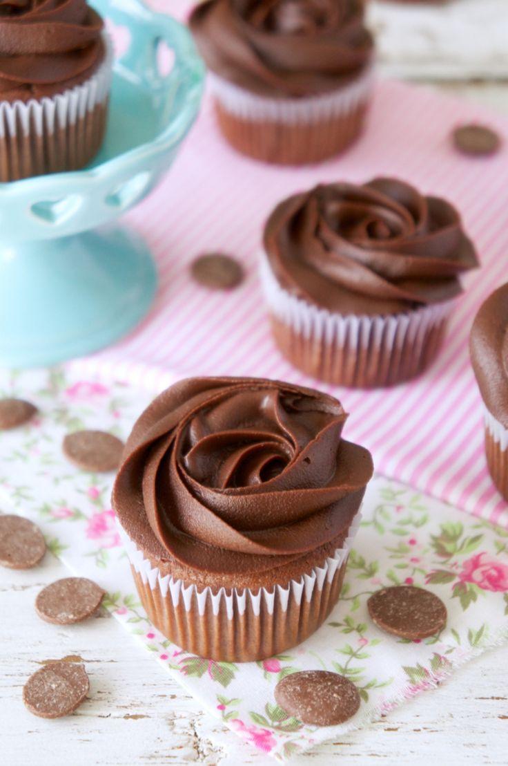 Ganache Fácil de Chocolate Meio-Amargo | Vídeos e Receitas de Sobremesas