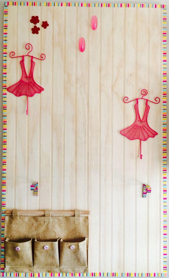 Colgador de accesorios rosados