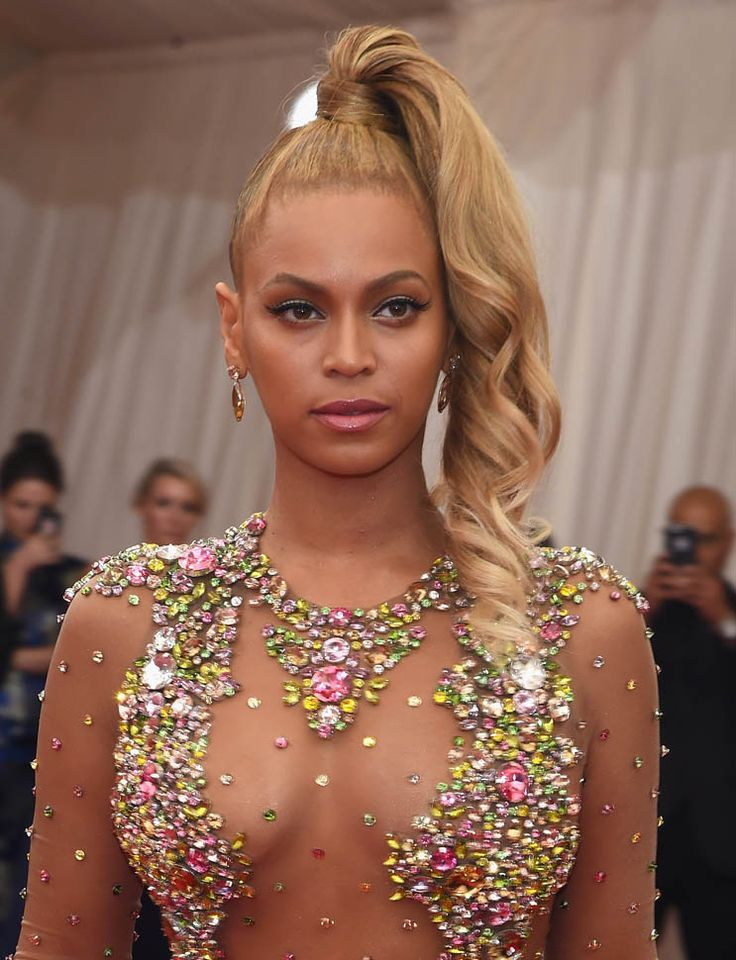 Beyonce, JayZ, Cher, and Marc Jacobs at the 2015 MET Gala|Lainey ...