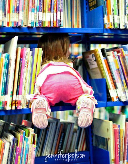 O cão que comeu o livro...: Como tirar fotografias na biblioteca? / Taking pictures at the library