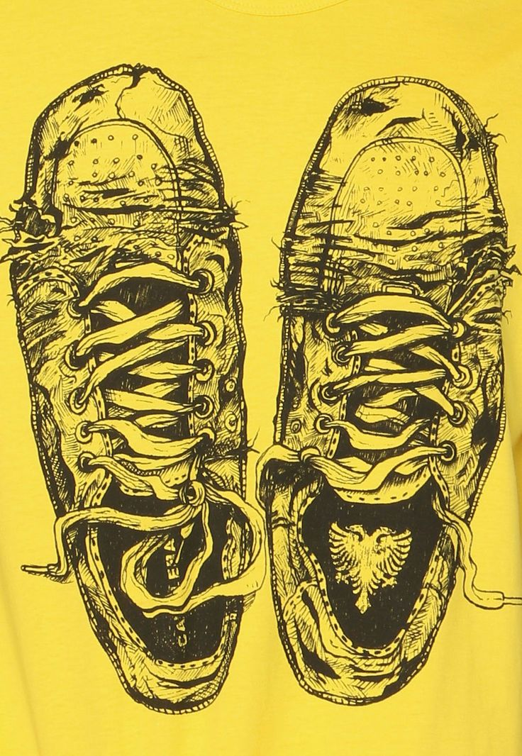 Camiseta Cavalera Tênis Velho Amarela - Marca Cavalera                                                                                                                                                                                 Mais