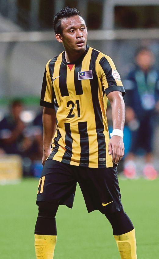 Singapura:  Pemain pertahanan Harimau Malaya Muhammad Zubir Azmi (gambar)  mahu segera melupakan detik kekecewaan tumpas kepada Thailand kelmarin dan bangkit mengatasi pasukan tuan rumah Singapura pada aksi terakhir Kumpulan B Piala AFF 2014 esok.