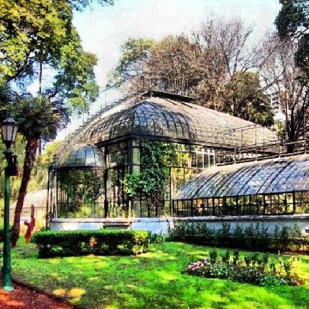 Este es Jardín Botánico. El jardín fue diseñado por Carlos Thays.