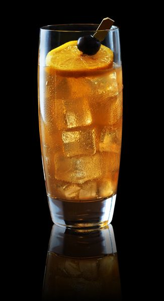 TROPICAL ICED TEA - TROPICAL ICED TEA with Captain Morgan® Original Spiced Rum