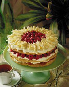 Torta de hoja, manjar y frambuesa