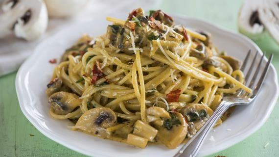 Спагетти с грибами исливочным соусом. Пошаговый рецепт с фото, удобный поиск рецептов на Gastronom.ru