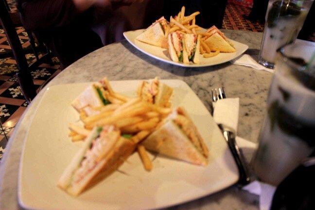 Sandwich Kopi Oey. kudapan enak dan sehat.