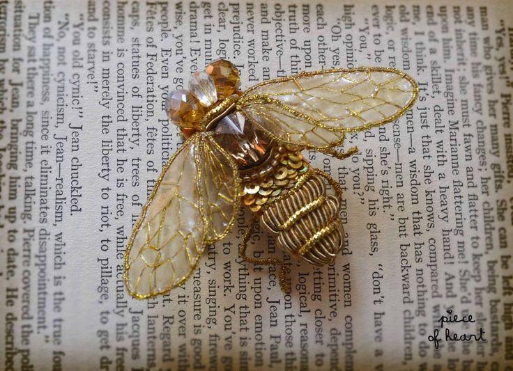 """Купить брошь """"Пчела"""" - золотой, бежевый, желтый, брошь, пчела, мед, канитель, насекомые"""