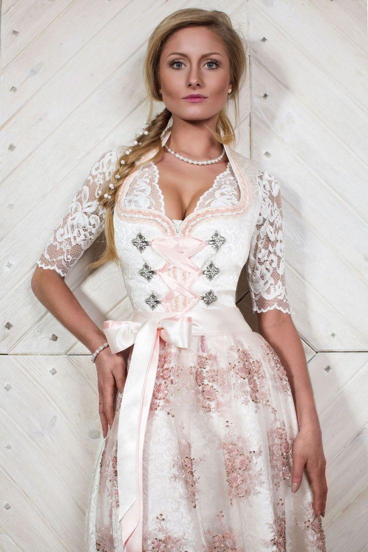 Hochzeitsdirndl von AlpenHerz Jetzt Shoppen Heiraten in Tracht! Alpenherz ist inzwischen bekannt für seine zauberhaften Brautdirndl bzw. Hochzeitsdirndl. Und in Tracht zu heiraten wird immer beliebter! Das Brautdirndl vereint das typische Merkmale eines Brautkleides mit klassischem Dirndl-Design. Und Damen, die in einem