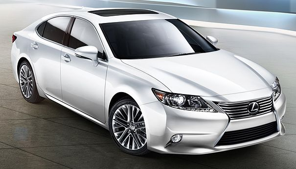 My hands are tingling, they want to touch this car so bad! 2013 Lexus ES 350