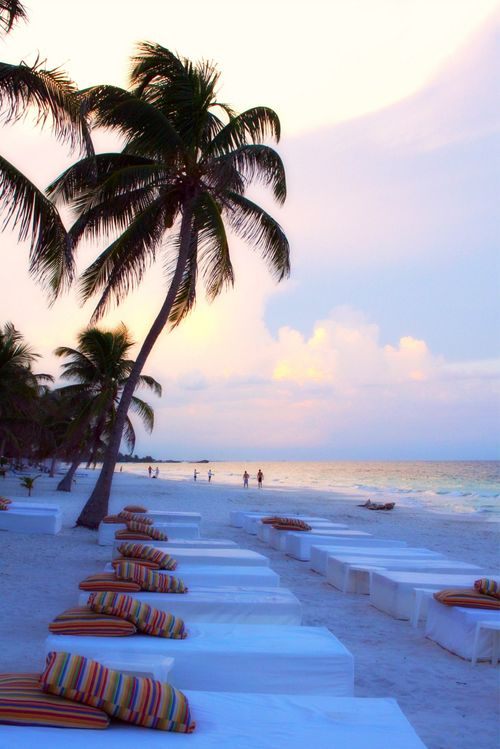The #sunset onTulum #Beach in Mexico is absolutely breath taking- definitely not one to be missed!