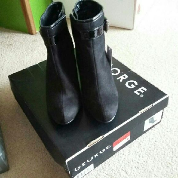 George Ladies Black Boots sz 7 New New, with tag and box George Shoes Ankle Boots & Booties