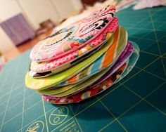 Dot Quilt - if you need to applique circles for a project, this method is excellent to ensure they come out neatly every time. Great idea!