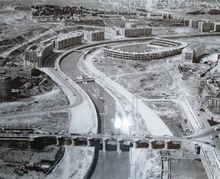 Construcción del Vicente Calderón (1966