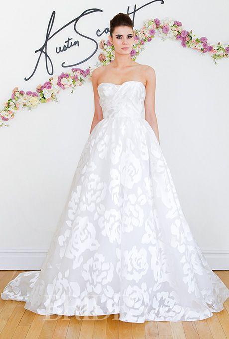 The flower motif on this @austinscarlett wedding dress is totally romantic | Brides.com