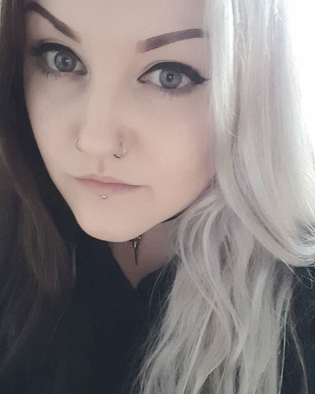 WEBSTA @ leighftw - Can it be August yet? I'm dying to go to #bloodstock with @badingdingdingdonk @ebony_rose27 and @the.elmo.show. #metalgirl #metalhead #metalfestival #altgirl #whitehair #blackhair #girlswithpiercings