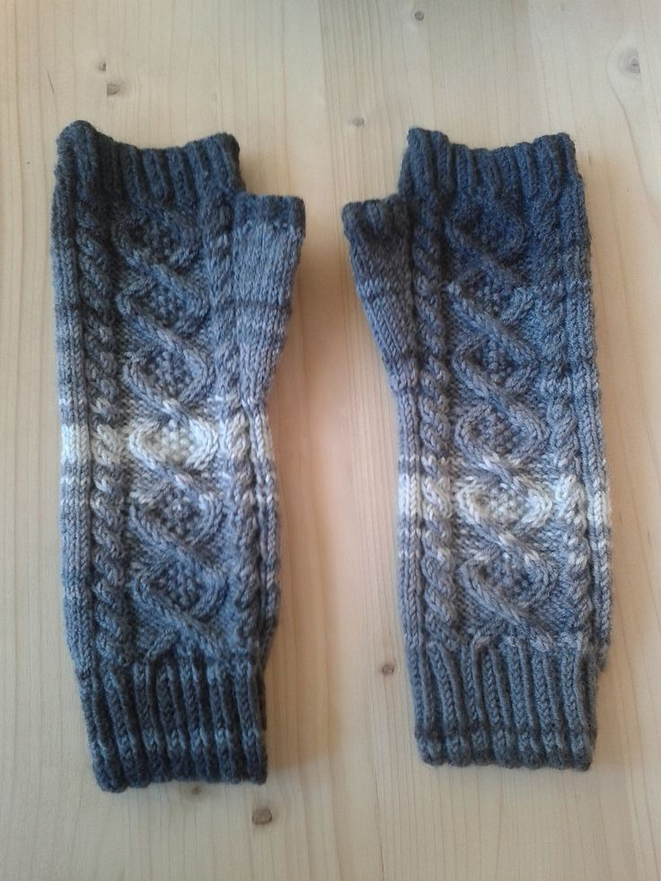 Snowdrop Fingerless Gloves