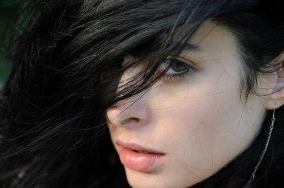 #black #hair #pale #skin #jetJet Black Hair & Pale Skin :-)