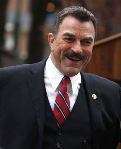 Tom Selleck Blue Bloods Sweater | Tom Selleck at the 'Blue Bloods' on set filming, New York, Oct 2010 ...