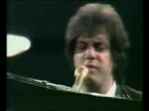 Billy Joel - Say Goodbye To Hollywood - Live 1977 - He's so hot.. And that voice....