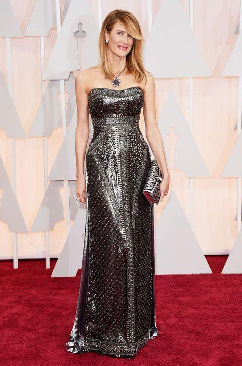 Oscars Fashion 2015: I got the best kind of sparkle overload from Laura Dern in this custom gunmetal Alberta Ferretti. Her jewels are by Bulgari.