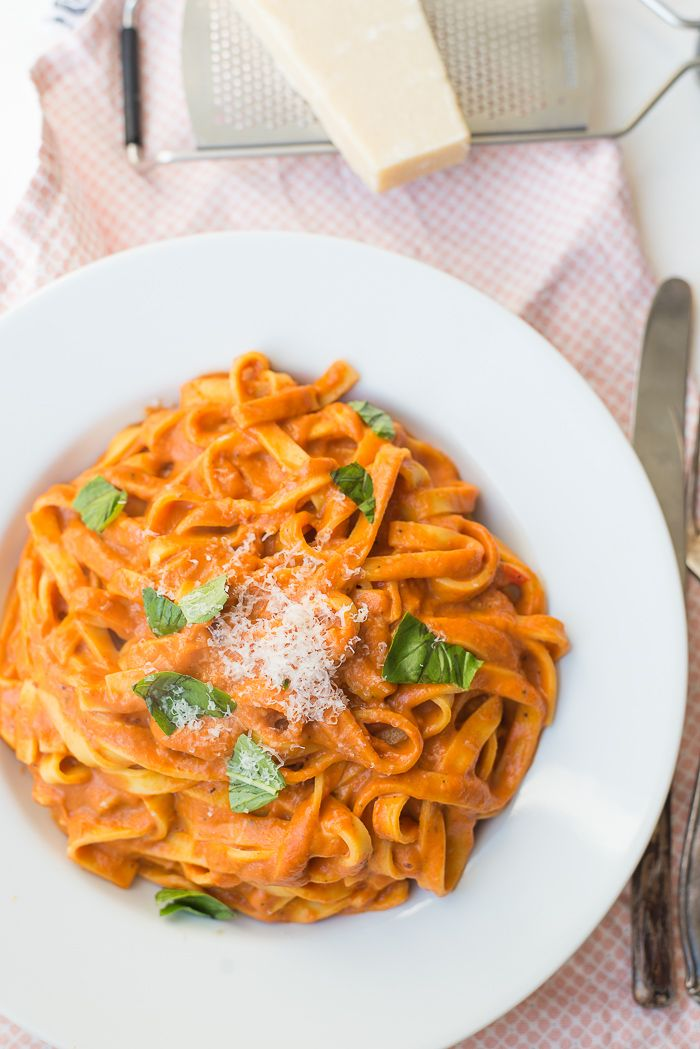 Tagliatelle met geroosterde paprikasaus | Ohmyfoodness #pasta #paprika #ohmyfoodness