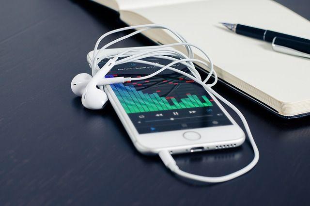 Gunakan dengan Hati-Hati, Kabel USB atau Kabel Data iPhone Mudah Rusak Apalagi Kalau Terlipat