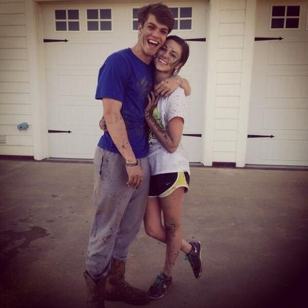 Gallery For > Sadie Robertson And Beau Kissing