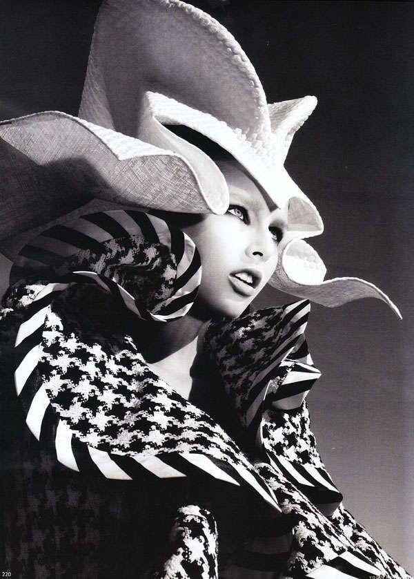 Gothic Glamazon Fashion : Zhang Jinga