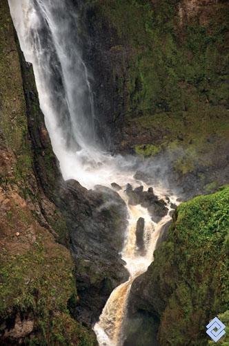 Colombia - Base del Salto del Mortiño, Huila.