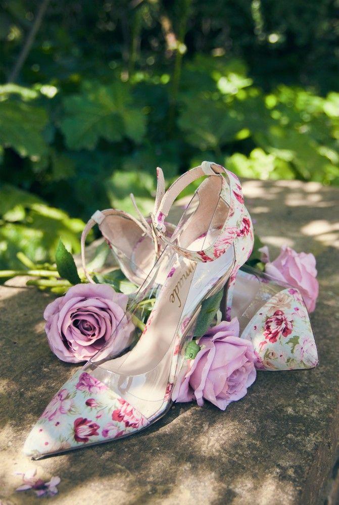 2b59fb8e561 Χειροποίητα νυφικά παπούτσια με σχέδιο τριαντάφυλλο FAIRYMADE BY MYRTO  KLIAFA. Βρείτε μοναδικά νυφικά παπούτσια στο
