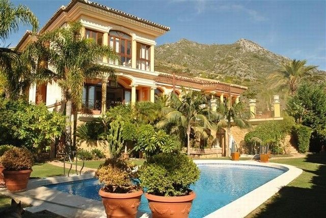 Marbella Real Estate, the agency with over 20 years experience in selling property in Marbella. Luxury Marbella Property Prices reduced by up to 40%. http://www.marbella-real-estate.es/