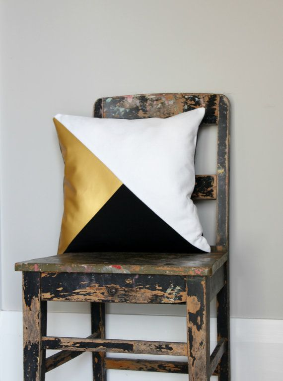 Designer white, Black and metallic gold pillow cover in geometric design.  + Sizes 40 x 40cm approx. 16 x 16, 45 x 45cm approx. 18 x 18 50 x 50cm approx. 20 x 20  + Cover only excludes inner available at your local craft or home store.  + Pattern of front of Cover back of cushion cover plain Black  + High quality YKK Invisible zipper closure for easy access.  + Your cushion is made to order so please allow 2 - 5 days to create it. Also if you want it in a specific size just convo me and it…