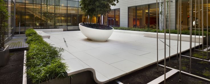 The contemporary courtyard designed by landworks studio
