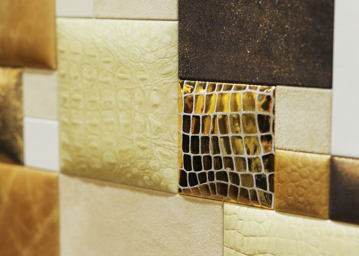Elevator & Design: Domuslift Leather with leather inner finishes. Gold leather version.