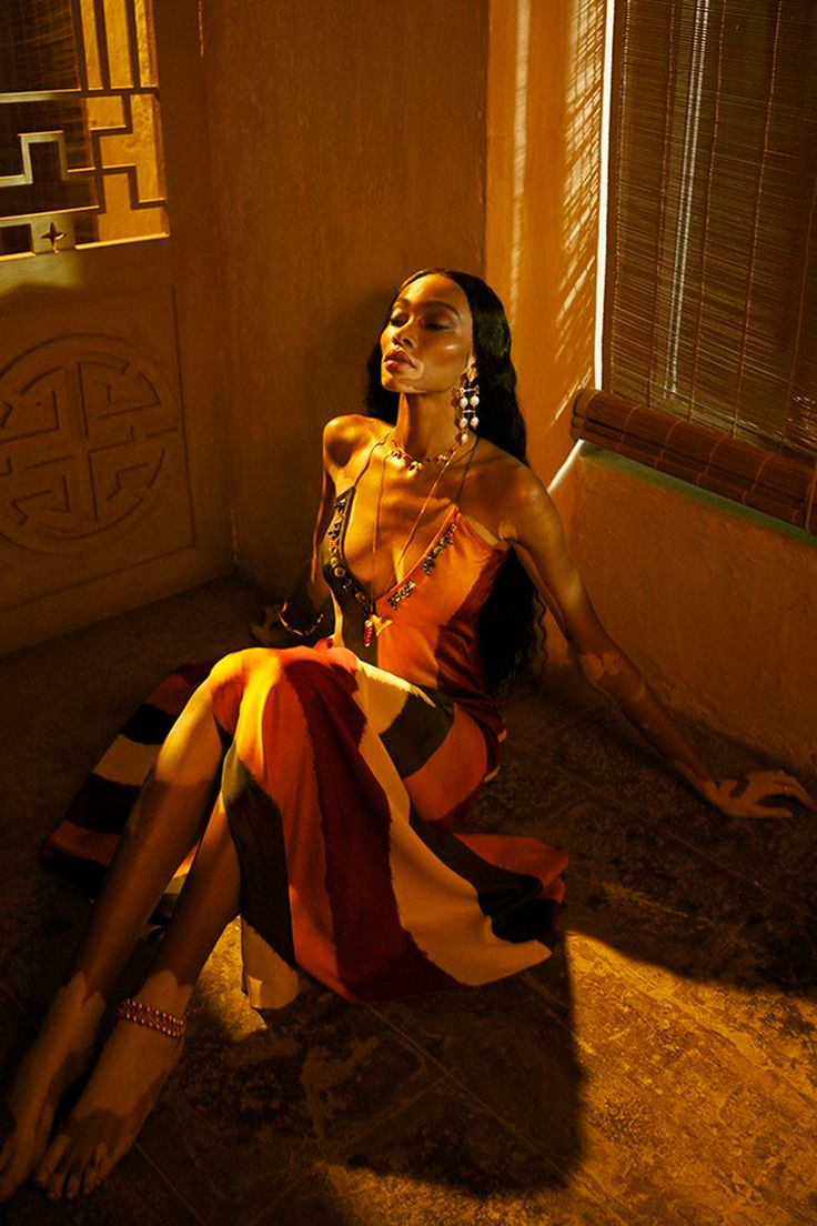 Winnie Harlow is styled by Priyanka Kapadia in a sumptuous, sensual feast for the eyes. Billy Kidd is behind the lens for Vogue India March Vogue Editorial, Editorial Fashion, Édito Vogue, Boho Fashion, Fashion Beauty, Daily Fashion, Street Fashion, High Fashion, Billy Kidd