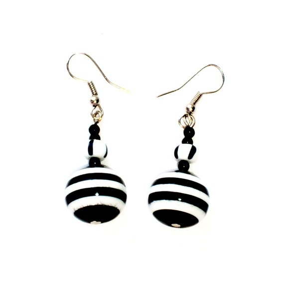Black and white striped earrings from beads by bellinalviv on Etsy, $4.00