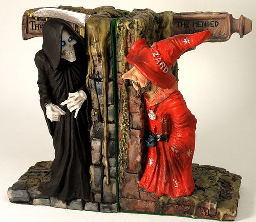 Death and Rincewind bookends i want to get ALL the terry pratchett books