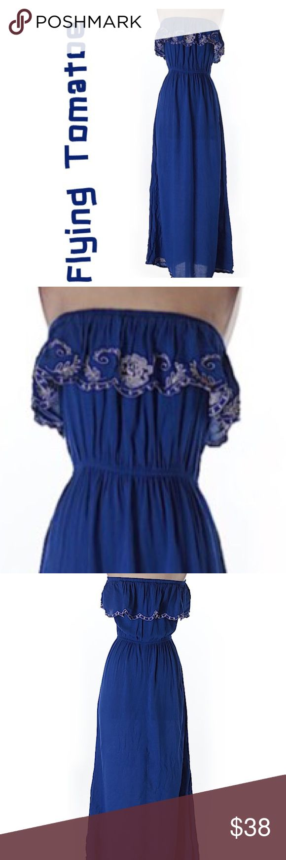 FLYING TOMATOE STRAPLESS MAXI DRESS !! FLYING TOMATOE STRAPLESS MAXI DRESS !! WITH FLOWERS EMBROIDED IN WHITE .  A MUST HAVE !!! SIZE SM Flying Tomato Dresses Maxi