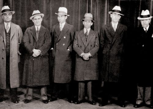 A Convention of Gangsters, Chicago     1932  Lucky Luciano (3rd from the left) and Meyer Lansky (4th from the left).